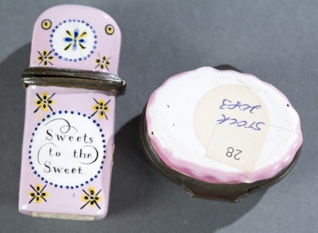 Humorous enamel box and a floral scent flask. - 2