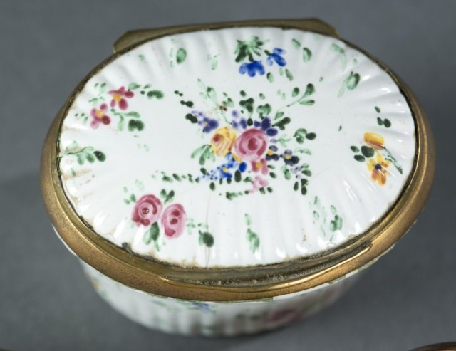 7 Bilston style patch / snuff boxes, 18th /19thc. - 2