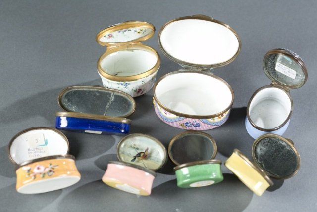 7 Bilston style patch / snuff boxes, 18th /19thc. - 9