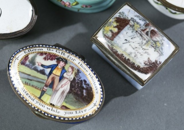 8 Bilston style patch / snuff boxes, 18th century. - 4