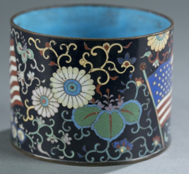 Japanese cloisonne jar w/American flags. - 2