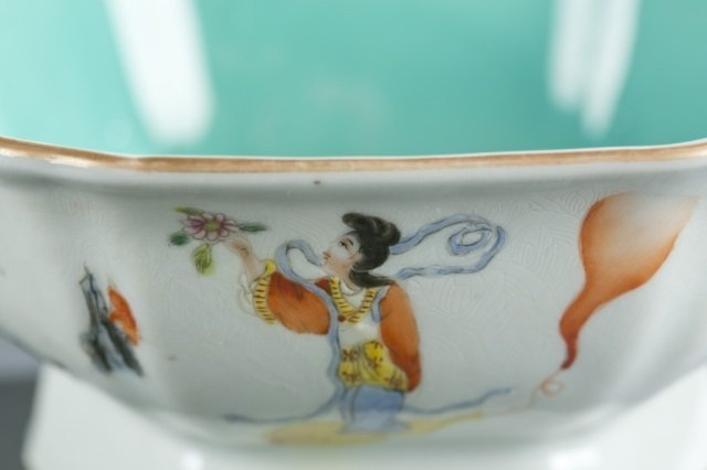 Chinese hexagonal famille rose footed bowl. - 4