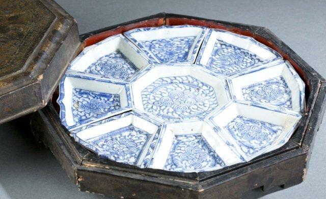 Chinese blue & white export sweetmeat dish w/box.