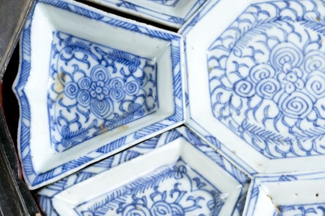 Chinese blue & white export sweetmeat dish w/box. - 4