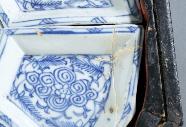 Chinese blue & white export sweetmeat dish w/box. - 6