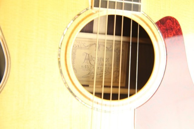 An Alvarez Yari FY-200 acoustic guitar, Serial #: - 3