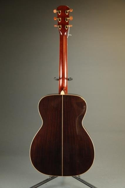 An Alvarez Yari FY-200 acoustic guitar, Serial #: - 4