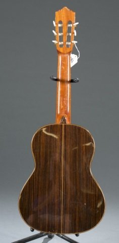 A Ruben Flores 400/19 fret classical guitar, Seria - 2