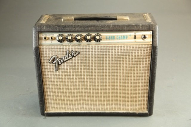 A vintage Fender Vibro CHamp amplifier.