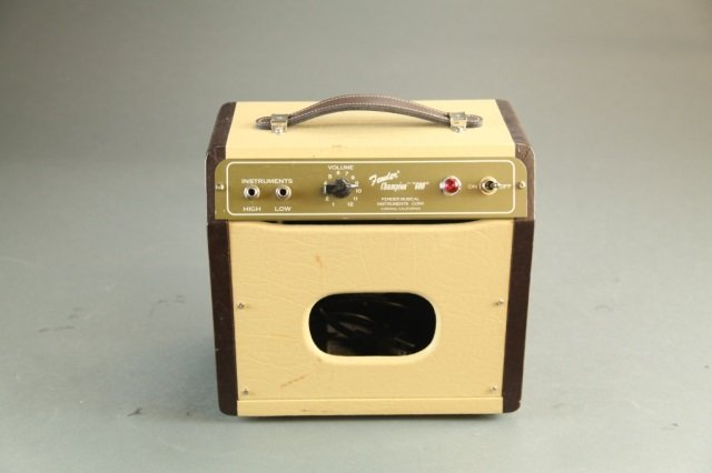 A Fender Champion 600 Tube amplifier.