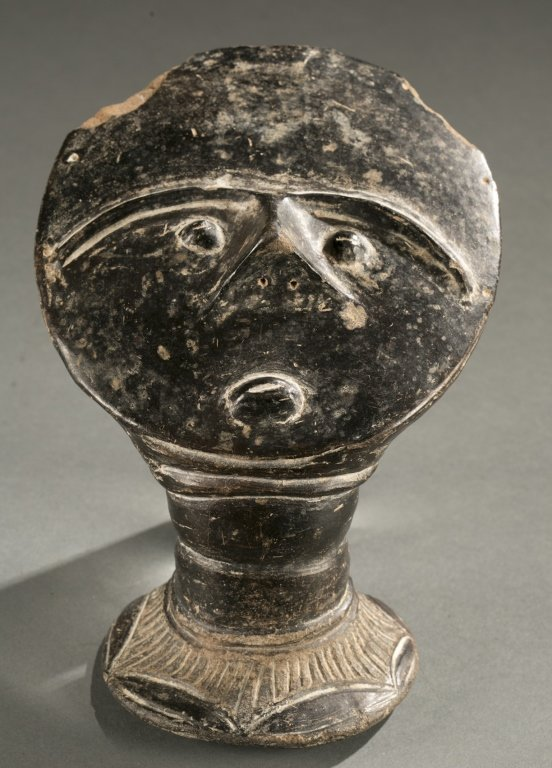 Asante terracotta funerary head, early 20th c.