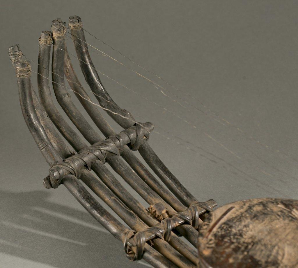African harp, 20th century. - 6