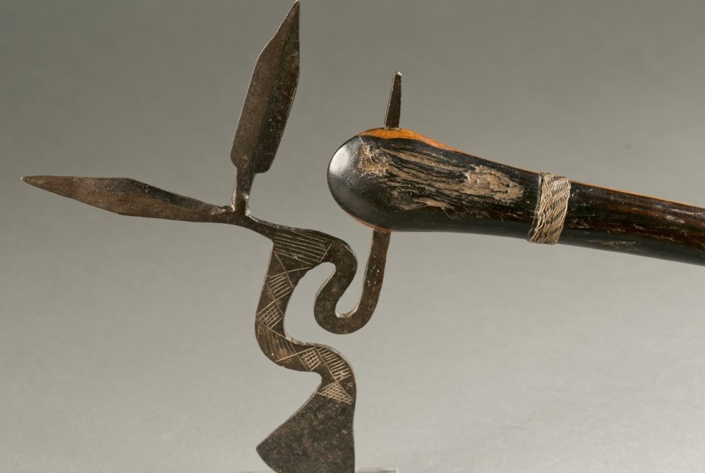 South African ax with elaborate blade, 20th cen. - 2
