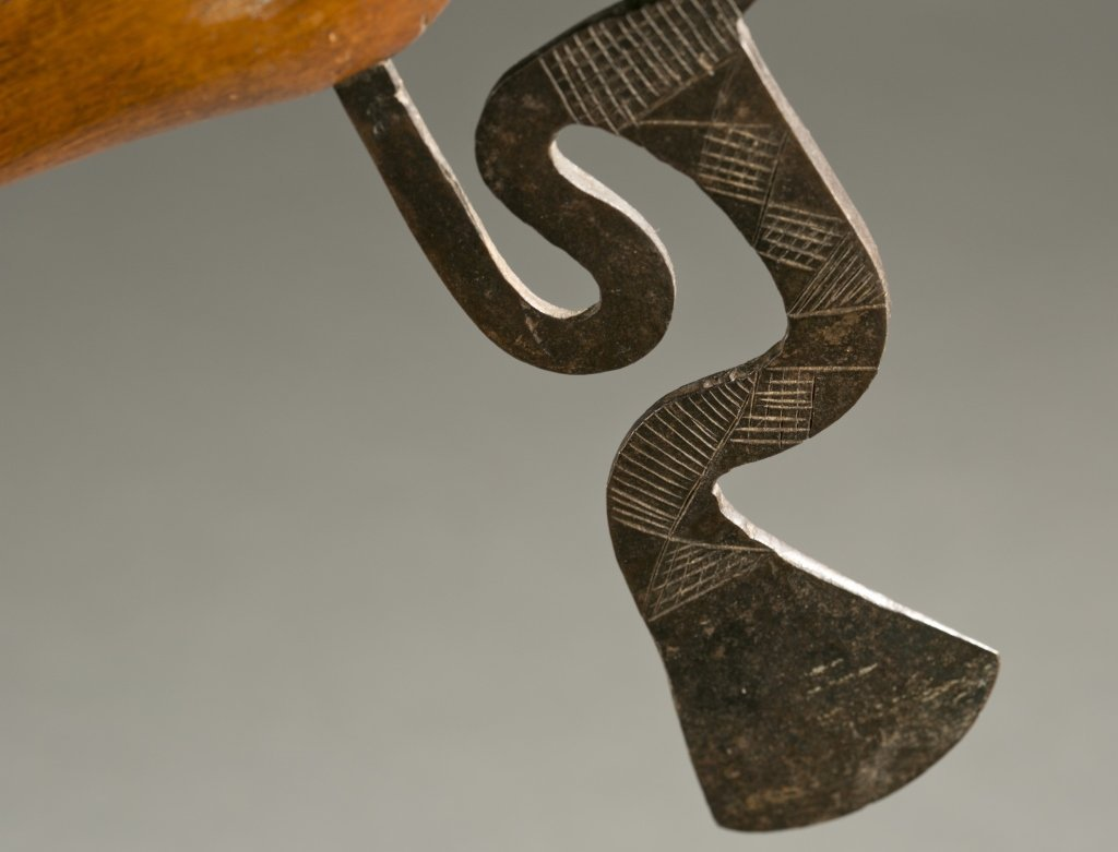 South African ax with elaborate blade, 20th cen. - 6