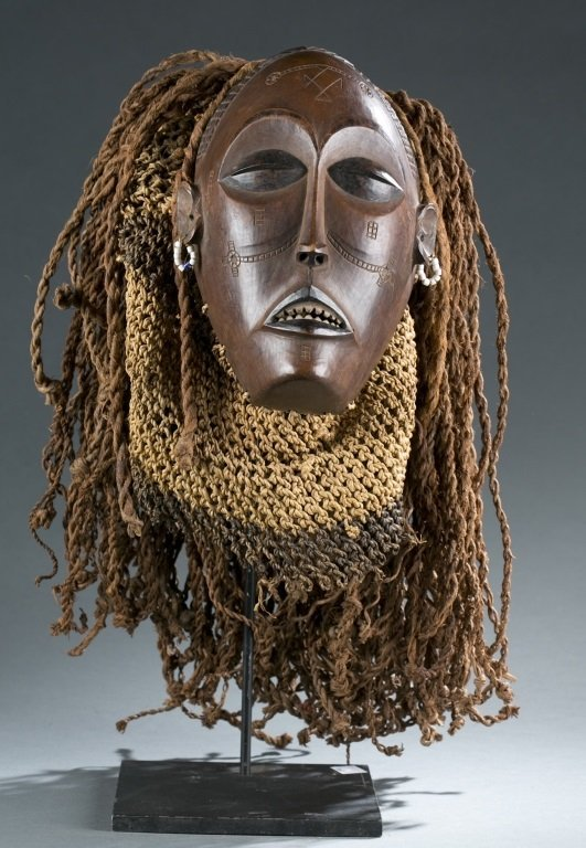 """Female """"pwo"""" face mask"""