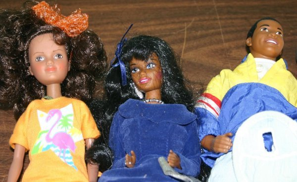 1424: Lot of 6 African-American Barbies.