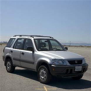 SILVER 1997 HONDA CRV 4 WD - AUTOMATIC