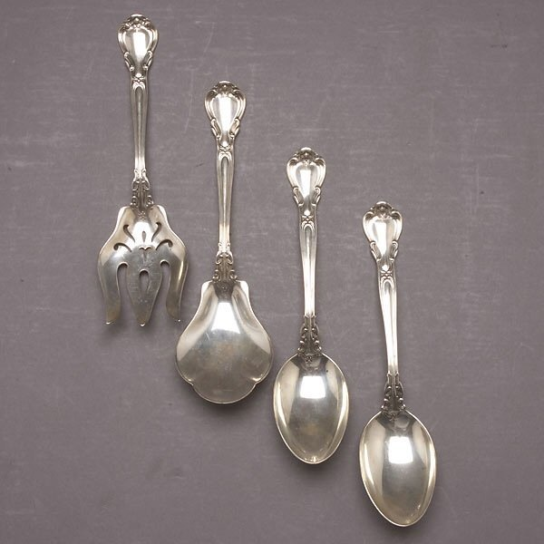 1019: 4 Gorham Chantilly Sterling Serving Pieces