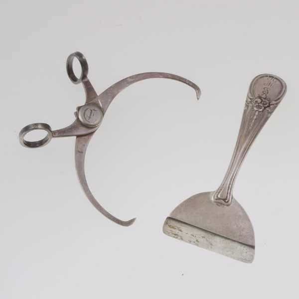 3: Georg Jensen Food Pusher & Tongs