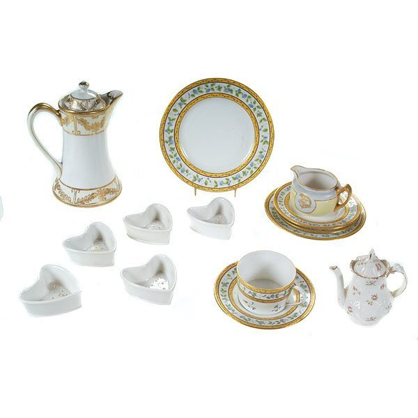 1012: French Limoges Porcelain Group