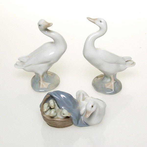 1016: Lladro Figurines
