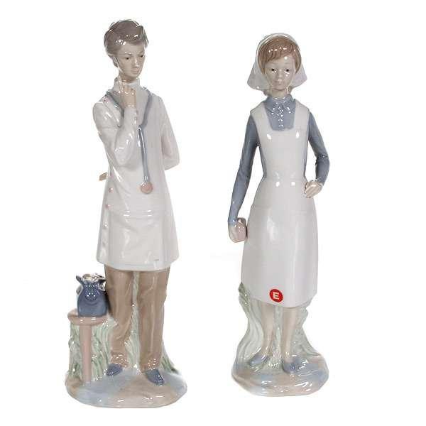 1017: Lladro Style Figurines
