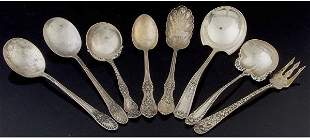 Eight pieces of sterling flatware