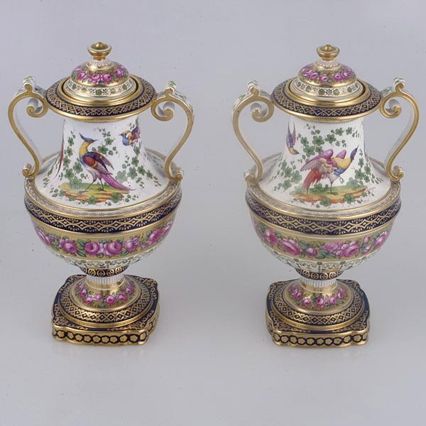 143: Pair Copeland China Urns