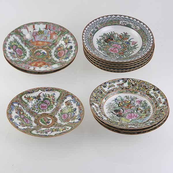 2032: 12 Chinese Canton Porcelain Bowls