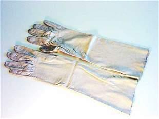 Jackie Kennedy gloves;