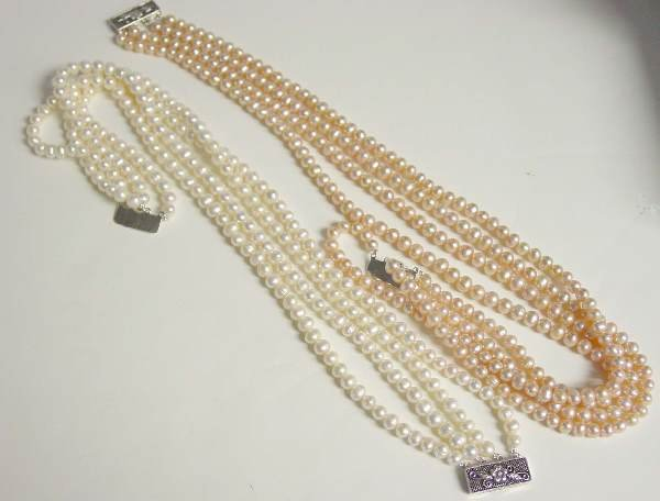 18: Pink and White Pearl Necklaces
