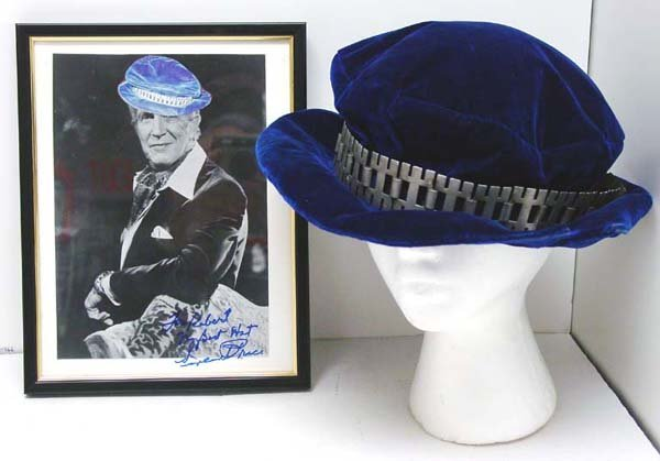 17: Vincent Price Signed Photo & Hat
