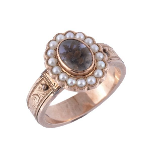 A Victorian gold and half pearl memorial ring,  th