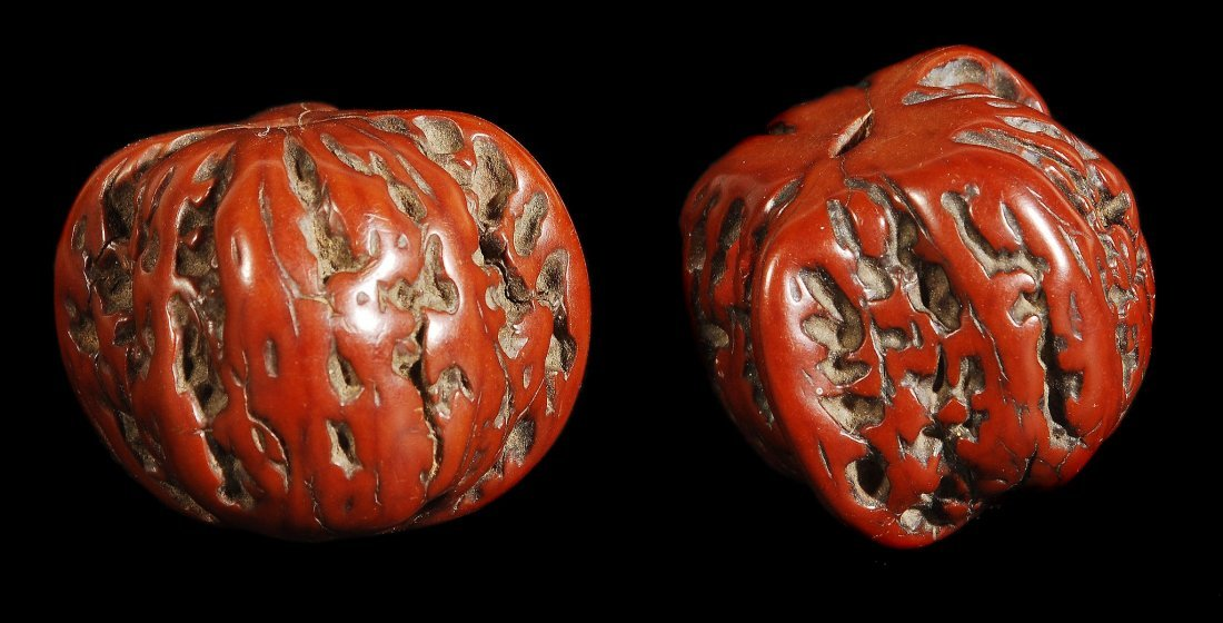 A pair of Chinese scholars walnuts, Ming/Qing, 3.5