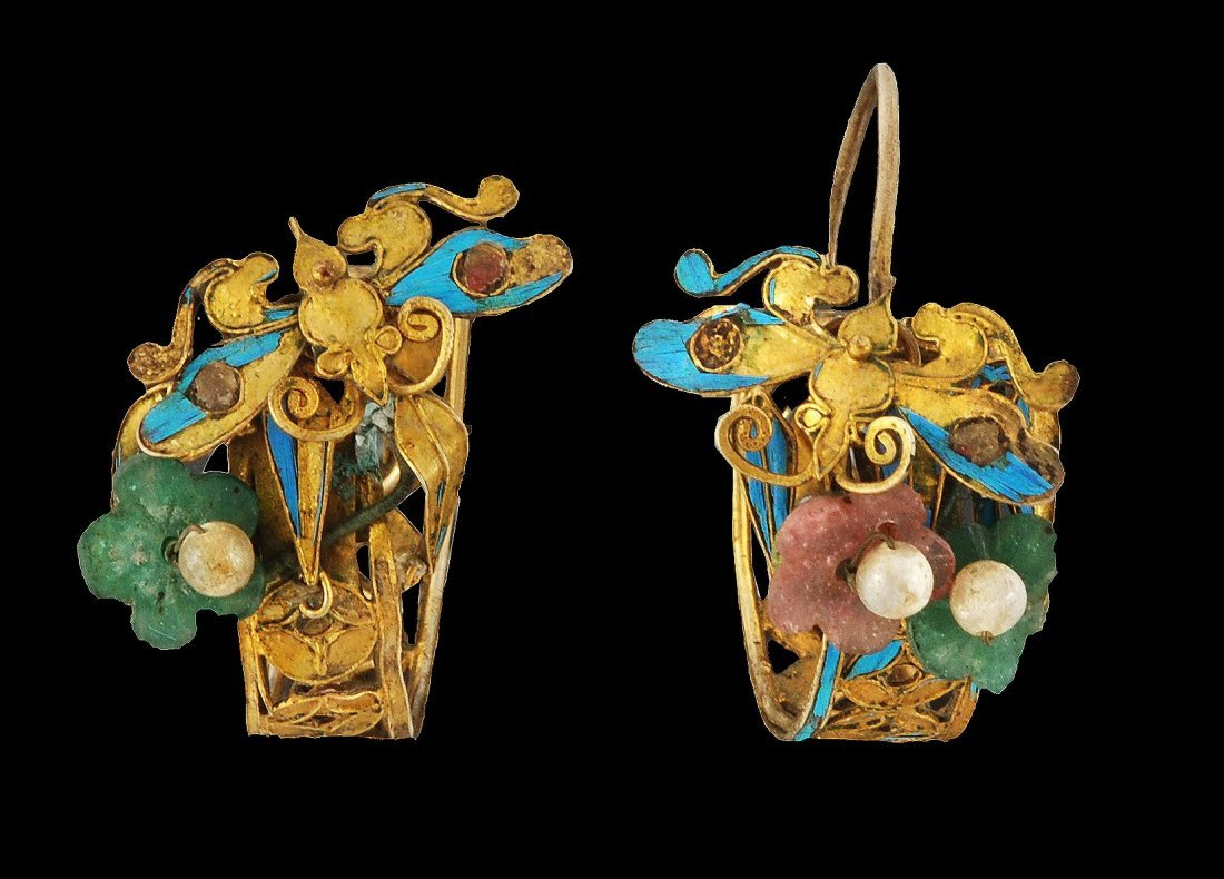 A pair of Chinese gold earrings earrings, 19th cen