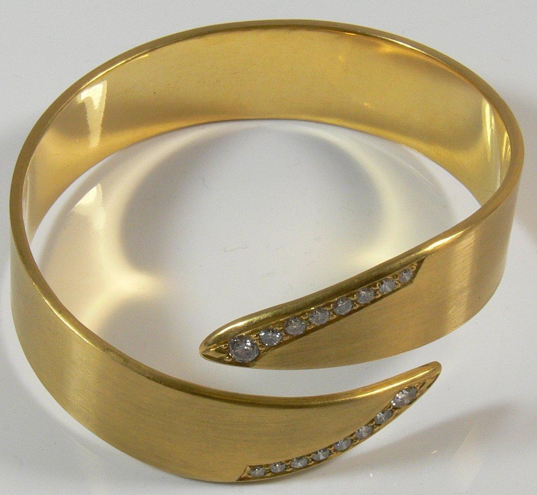 Armreif, 750er Gold, mit Brillianten ca. 2,2 ct, Du