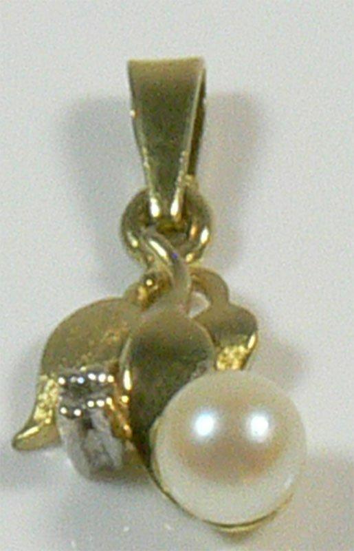 Anhänger aus 585er Gelbgold, mit Diamant und Perle,
