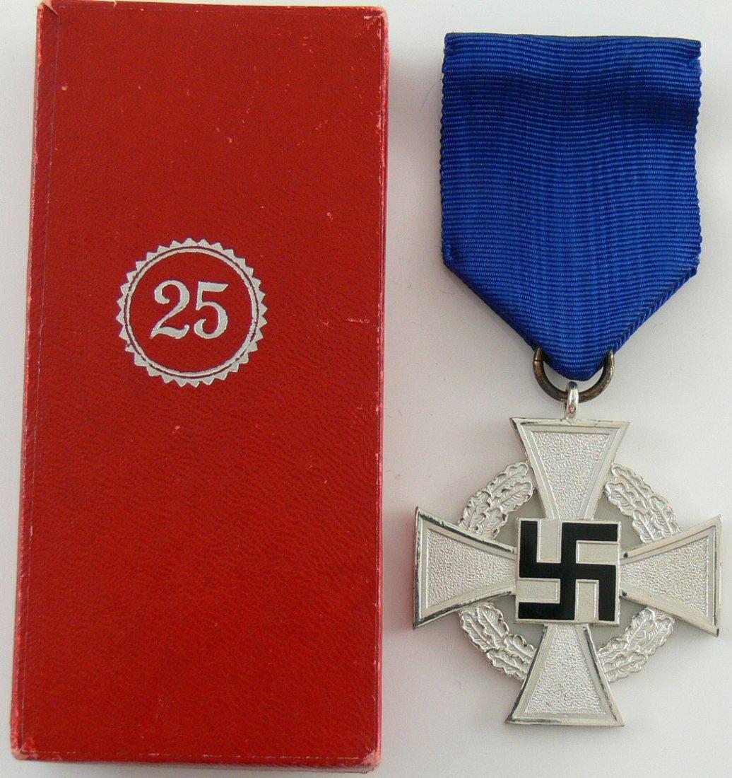 Treue - Dienstzeichen silber für 25 Jahre. Mit Band