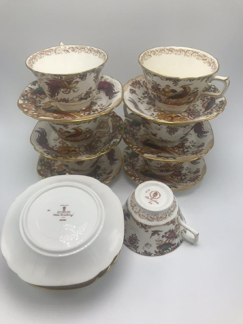 Lot of Royal Crown Derby Olde Avesbury Bone China, - 8