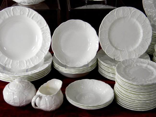 Set of Wedgwood Countryware China. 87 pcs. 16 dinner - 3