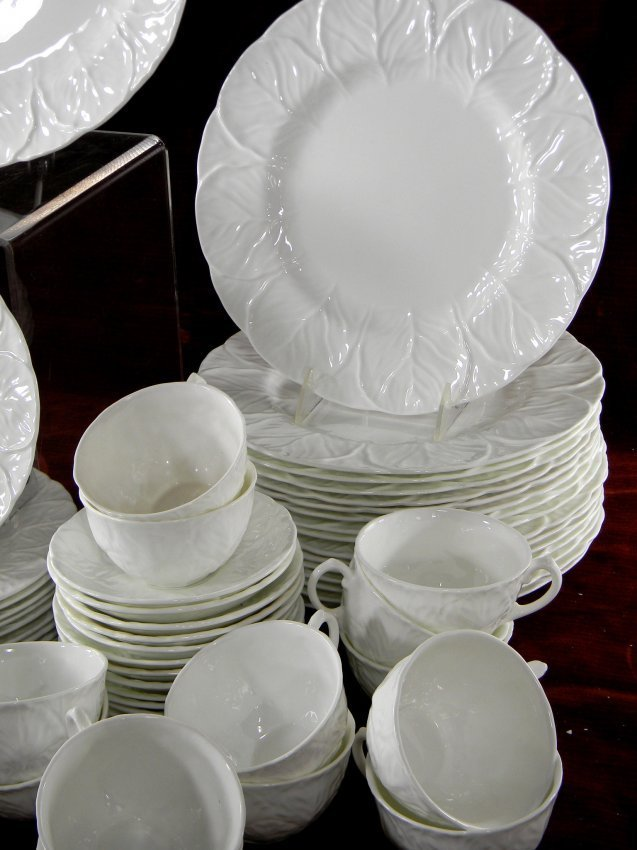 Set of Wedgwood Countryware China. 87 pcs. 16 dinner - 4