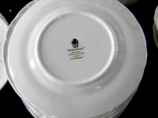 Set of Wedgwood Countryware China. 87 pcs. 16 dinner - 6
