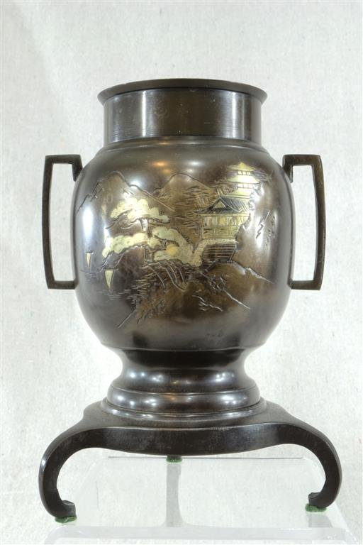 """Chinese Bronze 8"""" tall 5½"""" wide"""
