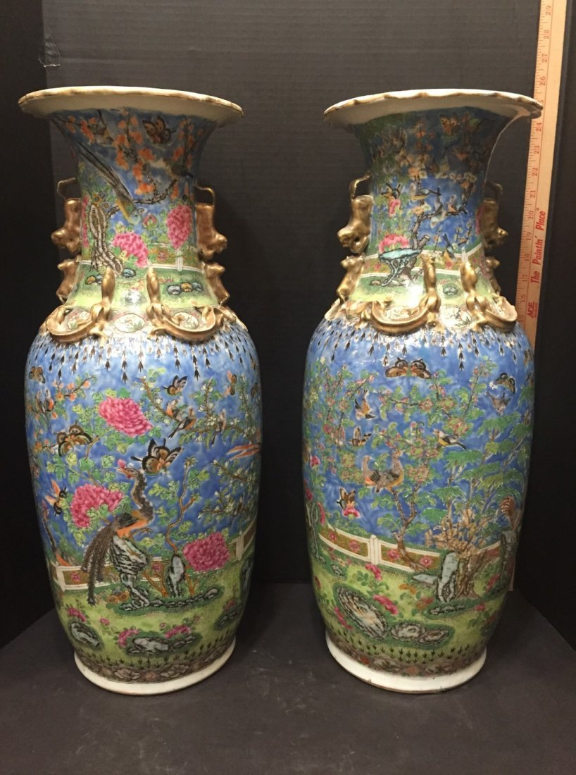 Pair of 19th century Rare Chinese Urns
