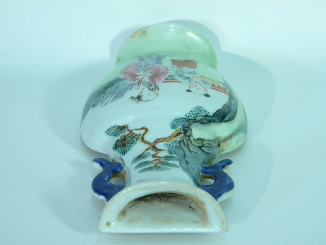 Chinese Export Vase Form Wall Pocket - 4