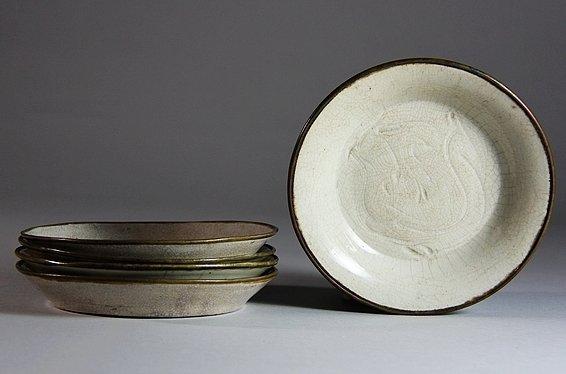 Ding Porcelain 5 Plates with Engraved Flower Design