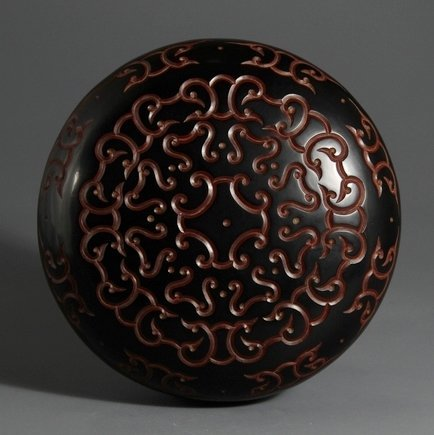 Qing Carved Black Lacquer Lidden  Box with Xuande Mark