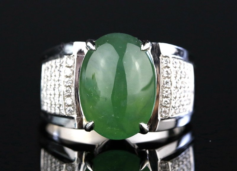 14K PLATINUM DIAMOND AND NATURAL GRADE A JADEITE RING