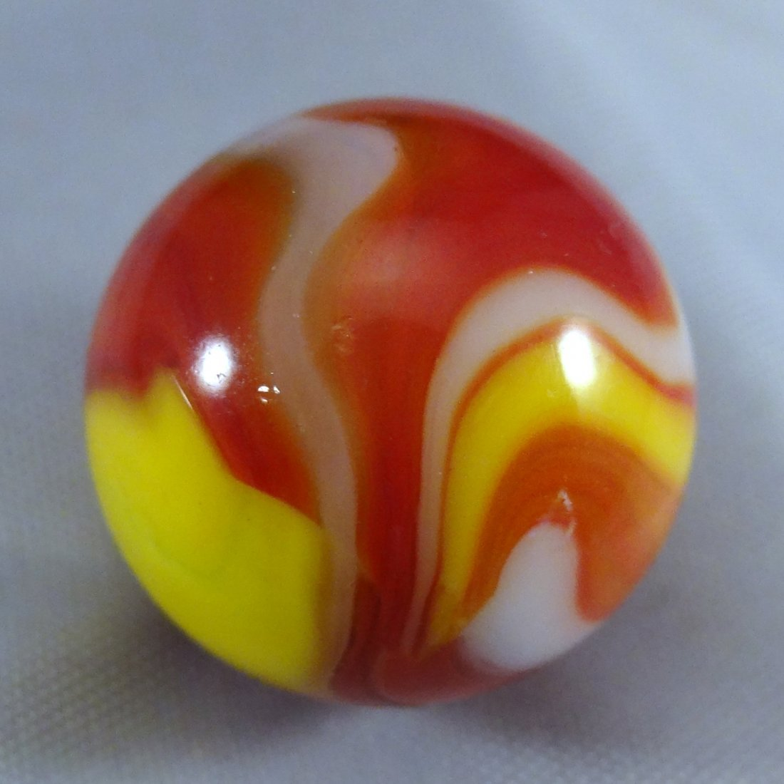 "Lot 41. Peltier Glass. Ketchup and Mustard. 5/8"". M 9.9 - 3"