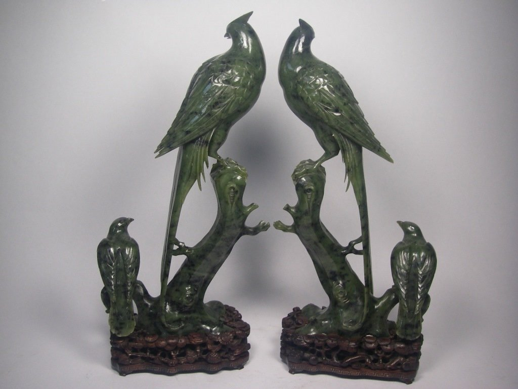 A pair 20th century Chinese jade carving birds